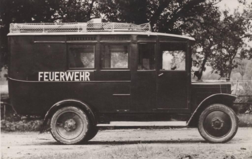 Mannschaftstransport- & Gerätewagen